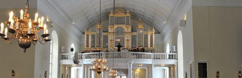 Piispa Jukka Keskitalo siirtää piispantarkastuksia, Rovaniemen kirkkoherranvaalin siirtoa harkitaan