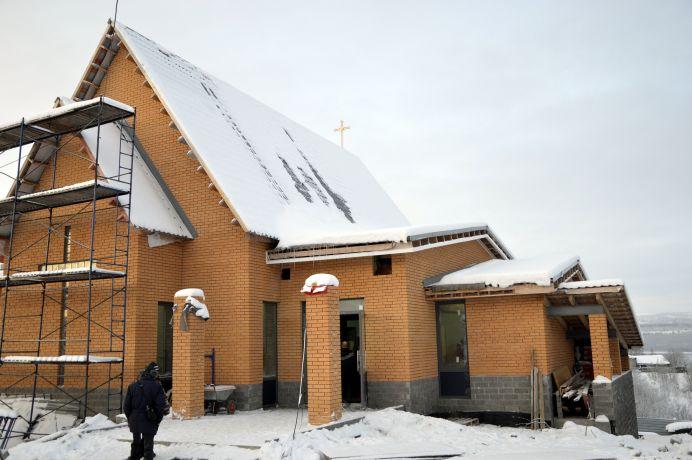 Uusi kirkko vihittiin käyttöön Murmanskissa