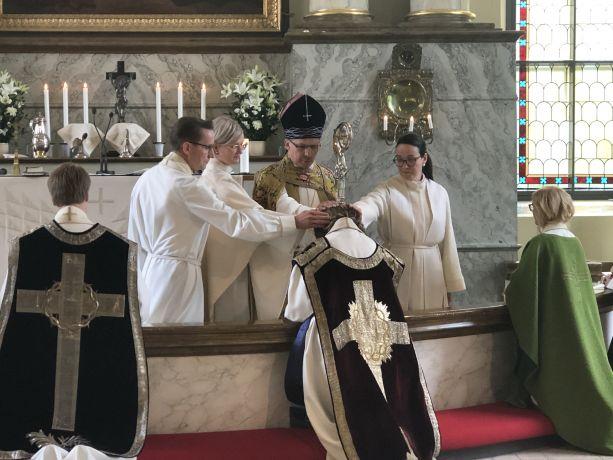 Kolme uutta pappia Oulun hiippakuntaan
